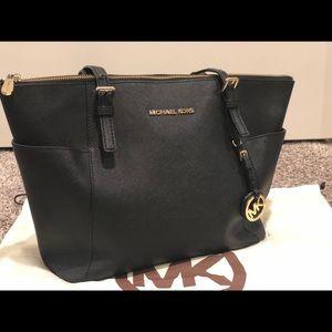 ✨ SALE ❗️Michael kors handbag 💖